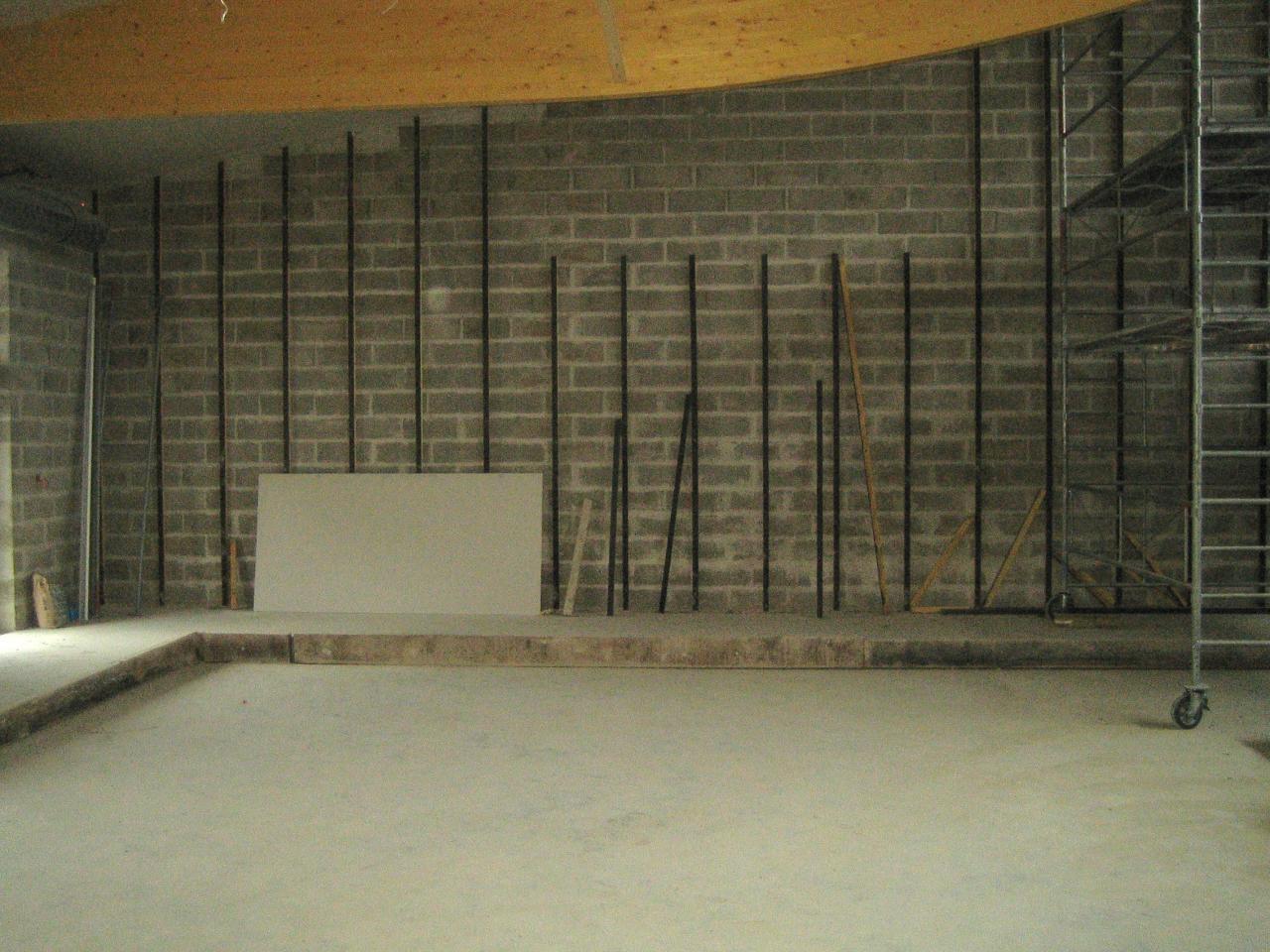 mur une fois fini en lambris pour Kamiza